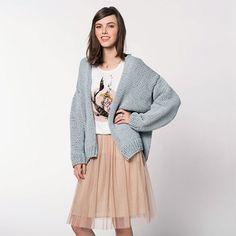 Tricoter un gilet pastel, idéal pour le printemps ! Retrouvez le patron gratuit et facile à tricoter. Knit a pastel vest, ideal for spring! Find the boss free and easy to knit.