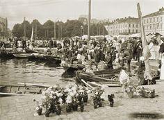 Myyntiveneitä Kolera-altaassa. Signe Brander 1909.