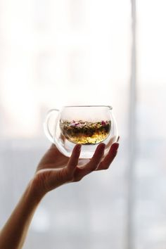 hot tea from marble & milkweed / Tea Ceremony Milk Shakes, Coffee Time, Tea Time, Chocolate Cafe, Tea Art, Tea Blends, My Cup Of Tea, Tea Ceremony, Tea Recipes
