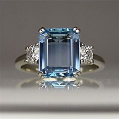 Beautiful Sapphire Engagement Ring-I want something like this for an engagement ring when God decides to send my husband :) #VintageJewelry