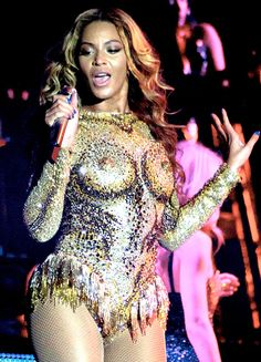 um, no! Beyonce Knowles Wears Gold Bodysuit With Faux Breasts, Nipples | Reality Wives