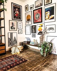 Eclectic Gallery Wall, Eclectic Decor, Gallery Wall Art, Living Room Gallery Wall, Living Room Wall Art, Modern Gallery Wall, Eclectic Bedrooms, Living Room Vintage, Cozy Eclectic Living Room