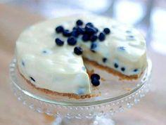 Blueberry and white chocolate cheesecake