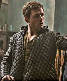 Taron Egerton as Robin Hood in Robin Hood Can& WAIT to see this movi. Taron Edgerton, Beautiful Men, Beautiful People, Cute Little Kittens, Richard Madden, Ben Barnes, Cute Actors, Look At The Stars, Celebrity Babies