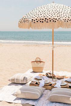 Vacation Mood, Vacation Style, Beach Picnic, Beach Party, Vacation Pictures, Beach Pictures, Beach Wardrobe, Baby Barn, Dining Ware