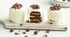 Espresso martini meets cake! With Choc Ripple biscuits and coffee-flavoured liqueur, this recipe is a perfect after-dinner treat (for adult's only). Espresso Martini, Espresso Coffee, Coffee Art, Iced Coffee, Coffee Icing, Coffee Dessert, Dinner Dessert, Cute Christmas Desserts, Mini Christmas Cakes