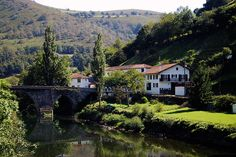 French Basque Country -Bidarray. At the crossroads of three valleys: Nive, Baztan and Begieder, Bidarray offers the charm of a village in the mountains of the Basque Country. Former priory of Roncesvalles, the village welcomed the Pilgrims of Saint Jacques de Compostela. © CDT64