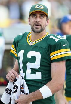 Aaron Rodgers Photos Photos: New York Jets v Green Bay Packers Go Packers, Packers Football, Football Memes, Greenbay Packers, Packers Memes, Packers Funny, Green Bay Football, Green Bay Packers Fans, Aaron Rogers