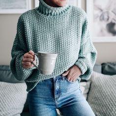 24 отметок «Нравится», 1 комментариев — knits and dreams (@knits_and_dreams) в Instagram: «Minty ♀️ #knit #knitspo #knitting #knitspiration #knitstagram #knittersofinstagram #instaknit…»