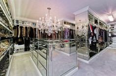 Looking for some fresh ideas to remodel your closet? Visit our gallery of leading luxury walk in closet design ideas and pictures. Girls Dream Closet, Dream Closets, Dream Rooms, Open Closets, Dream Bedroom, Walk In Closet Design, Wardrobe Design, Closet Designs, Bedroom Designs