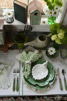 An Irish Blessing and St. Patrick's Day Table Inspiration | Home is Where the Boat Is