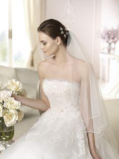 Style * DANILA * » Wedding Dresses » White One 2015 Collection » by San Patrick (close up)
