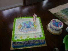 A Yummy GiggleBellies Birthday Cake & A Yummy Smash Cake for Braxton's first birthday! shared by Rayna Duttry Miller. mmmmmm!!!! #GBbirthday