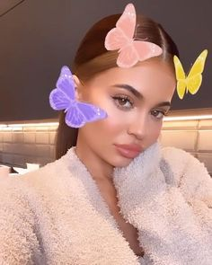 Shop the lastest Kylie Cosmetics Kylie Jenner Red Hair, Kylie Jenner Makeup Natural, Kylie Jenner Icons, Kylie Jenner Gif, Looks Kylie Jenner, Kylie Jenner Lipstick, Estilo Kylie Jenner, Kylie Jenner Instagram, Kylie Jenner Outfits