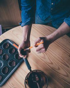 Salted Caramel Chocolates recipe from Smashed Avocado blog. Salted Caramel Chocolate, Chocolate Recipes, Smashed Avocado, Avocado Recipes, Valentines Diy, Chocolates, Yummy Food, Eat, Blog