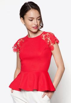 Something Borrowed Lace Peplum Top I Beli di ZALORA Indonesia ®
