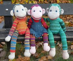 Ravelry: Monkey Jacobus pattern by Annita Wilschut. Love this pattern! There is a KAL group on Ravelry doing this project and they have some great tips in their postings which I found helpful when making my monkey. Loom Knitting, Baby Knitting, Knitting Patterns, Crochet Patterns, Doll Patterns, Yarn Projects, Knitting Projects, Crochet Projects, Knitted Dolls