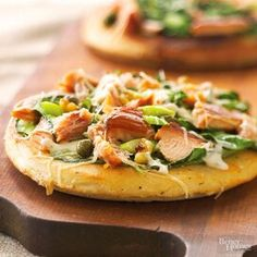 R090167_071906 Pizza Flavors, Pizza Recipes, Seafood Recipes, Healthy Recipes, Flatbread Recipes, Seafood Dishes, Quick Recipes, Pasta Dishes, Yummy Recipes