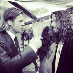 Chris Cornell is sexier than Brad Pitt Brad Pitt, Jennifer Aniston, Gorgeous Men, Beautiful People, Beautiful Voice, Angelina Jolie, Vicky Cornell, Say Hello To Heaven, Rock N Roll
