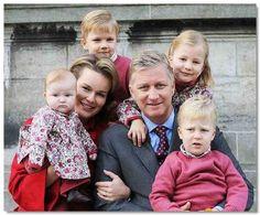 koninklijke familie kroonprins Filip en Mathilde met de kinderen