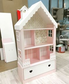Doll House with Storage Bins Barbie Furniture, Retro Furniture, Dollhouse Furniture, Kids Furniture, Luxury Furniture, Girls Bedroom, Bedroom Decor, Doll House Plans, Barbie Doll House