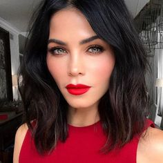 12 lob haircut ideas to copy Cute Hairstyles For Medium Hair, Pretty Hairstyles, Medium Hair Styles, Black Hairstyles, Long Face Haircuts, Haircut For Long Face, Lob Haircut Thick Hair, Brunette Makeup, Red Lip Makeup