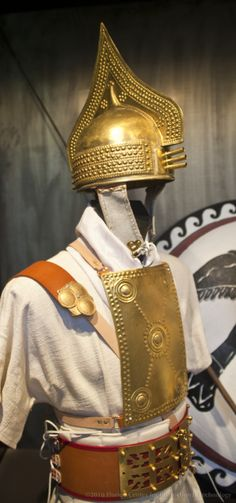 Etruscan warrior kit from Villanovan period C.850BC, This isn't really Medieval, but interesting nevertheless.