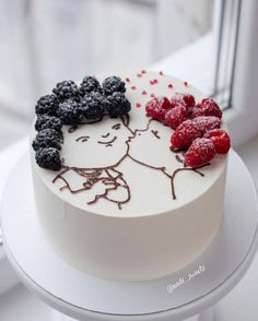 lol hairgoals Yes or no Tag your bestfriend friends kiss cake by nadi_sweets This cake is so original! I am fan! Hers hairs are so berries lol Pretty Cakes, Cute Cakes, Food Cakes, Cupcake Cakes, Decoration Patisserie, Gateaux Cake, Love Cake, Sweet Cakes, Creative Cakes