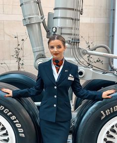 British Airways Cabin Crew, Jordan Royal Family, Airline Uniforms, Female Pilot, Very Beautiful Woman, Business Dresses, Flight Attendant, Girl Humor, Aviation