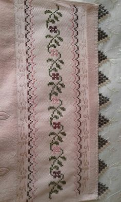 Cross Stitch Rose, Cross Stitch Kits, Cross Stitching, Cross Stitch Embroidery, Blackwork Patterns, Palestinian Embroidery, Crochet Borders, Hand Embroidery Designs, Needlework