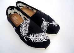 Black and White Aztec Feather TOMS