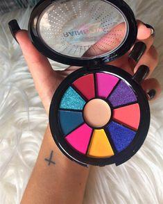 Ruby Rose, Eyeshadow Makeup, Eyeshadow Palette, Avon, Eye Makeup Steps, Diy Canvas Art, Blush, Make Up, Beauty