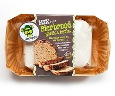Maak eenvoudig de lekkerste zelfgebakken koekjes uit een pot, bananencake en bierbrood!