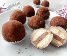Christmas Sweets, Christmas Baking, Czech Desserts, A Food, Food And Drink, Czech Recipes, Little Cakes, Sweet Cakes, Desert Recipes