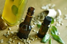 Babka Zielna: 4 pomysły na naturalne olejki do opalania DIY