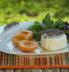 Abricots rôtis au miel de lavande et chèvre frais - Recettes de cuisine Ôdélices