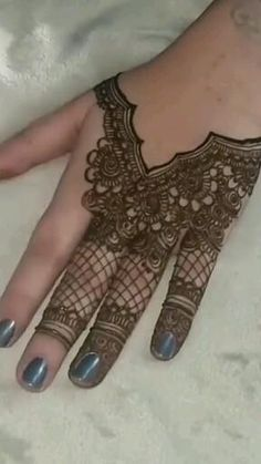 Simple Mehndi Designs Fingers, Mehndi Designs Front Hand, Indian Henna Designs, Latest Bridal Mehndi Designs, Stylish Mehndi Designs, Modern Mehndi Designs, Mehndi Designs For Girls, Mehndi Designs For Beginners, Wedding Mehndi Designs