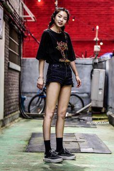 Cùng trưng dụng quần shorts nhưng giới trẻ Hàn lại có cả tá cách mix, cách nào cũng hút mắt thôi rồi! - Ảnh 5.
