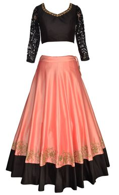 tm9 Red Lehenga, Indian Bridal Lehenga, Pakistani Bridal Wear, Lehenga Gown, Heavy Dresses, Royal Dresses, Indian Dresses, Indian Outfits, Choli Designs
