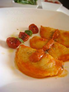 gnocchi di patate ripieni di mozzarella con pomodorini confit