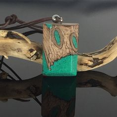 Ein persönlicher Favorit aus meinem Etsy-Shop https://www.etsy.com/de/listing/530802371/wood-resin-necklacenaturalharz-holz