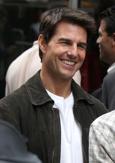 Tom Cruise Thanks The NYPD While Back On Set of 'Oblivion'