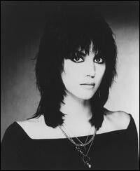 Love Joan Jett's haircut