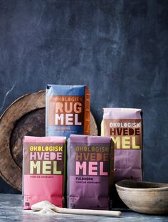 Here you go Giovanna Mastrocola Grupe meyer flour. Love this colorful flour PD Food Packaging Design, Packaging Design Inspiration, Brand Packaging, Box Packaging, Branding Design, Logo Dulce, Chocolates, Inspiration Wand, Pretty Packaging