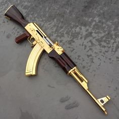 Airsoft hub is a social network that connects people with a passion for airsoft. Talk about the latest airsoft guns, tactical gear or simply share with others on this network Ak 47, Weapons Guns, Airsoft Guns, Guns And Ammo, Pretty Knives, Custom Guns, Military Guns, Assault Rifle, Cool Guns