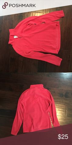 Northface pink pullover Northface woman's XS pullover in hot pink! Looks lighter in picture than in person! North Face Jackets & Coats