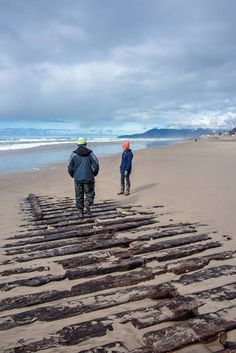 Emily G Reed Shipwreck In Rockaway Beach Oregon Tillamook Crater Lake