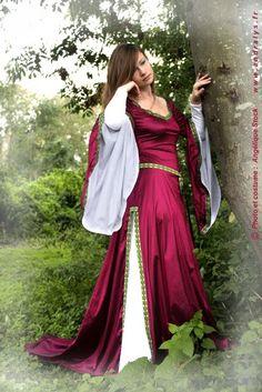 Robes de mariée Provence-Alpes-Côte d'Azur, Rhône-Alpes, Languedoc Roussillon: Robe de mariée médiévale et robe medieval fantasy