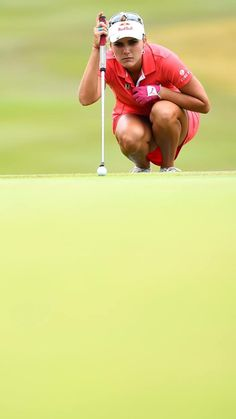 ⛳️ Lexi lining up the putt