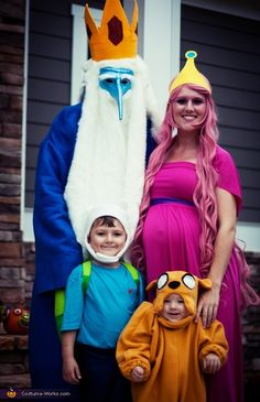 53 Family Halloween Costumes That Are Pure Coordinated Joy Adventure Time Halloween Costume, Pregnant Halloween Costumes, Pumpkin Halloween Costume, Pop Culture Halloween Costume, Halloween Costume Contest, Creative Halloween Costumes, Outdoor Halloween, Halloween Ideas, Costume Ideas